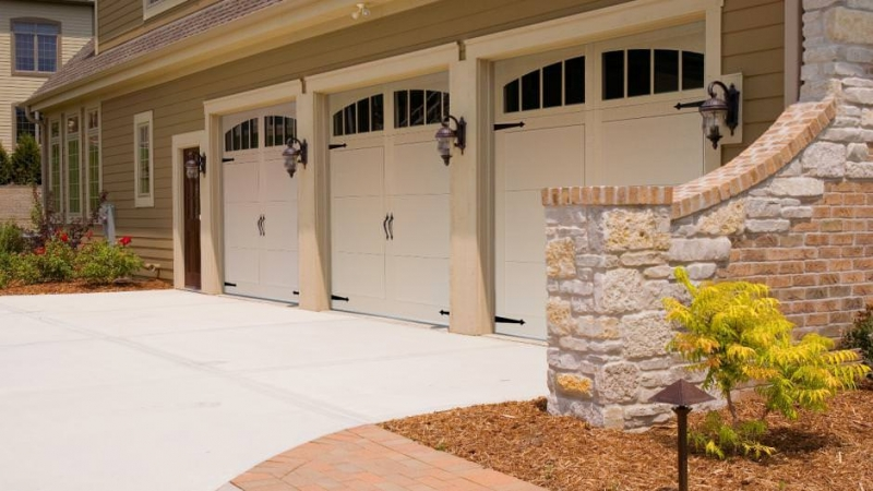 Garrett S Garage Doors Residential Carriage House Overlay